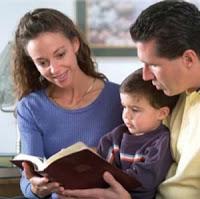 Citind in familie Biblia