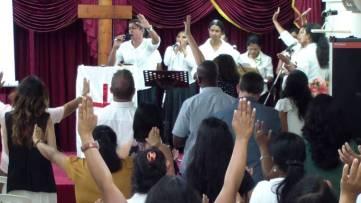 sri-lanka-cristian-worship