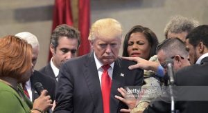 donald-trump-prayer-640x350